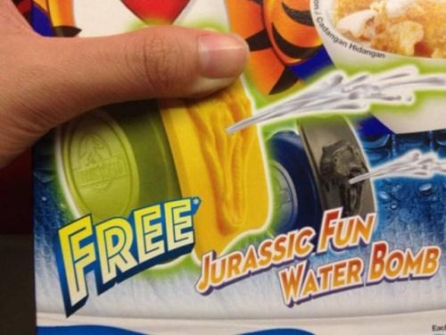 funny memes jurassic fun water bomb looks like vag