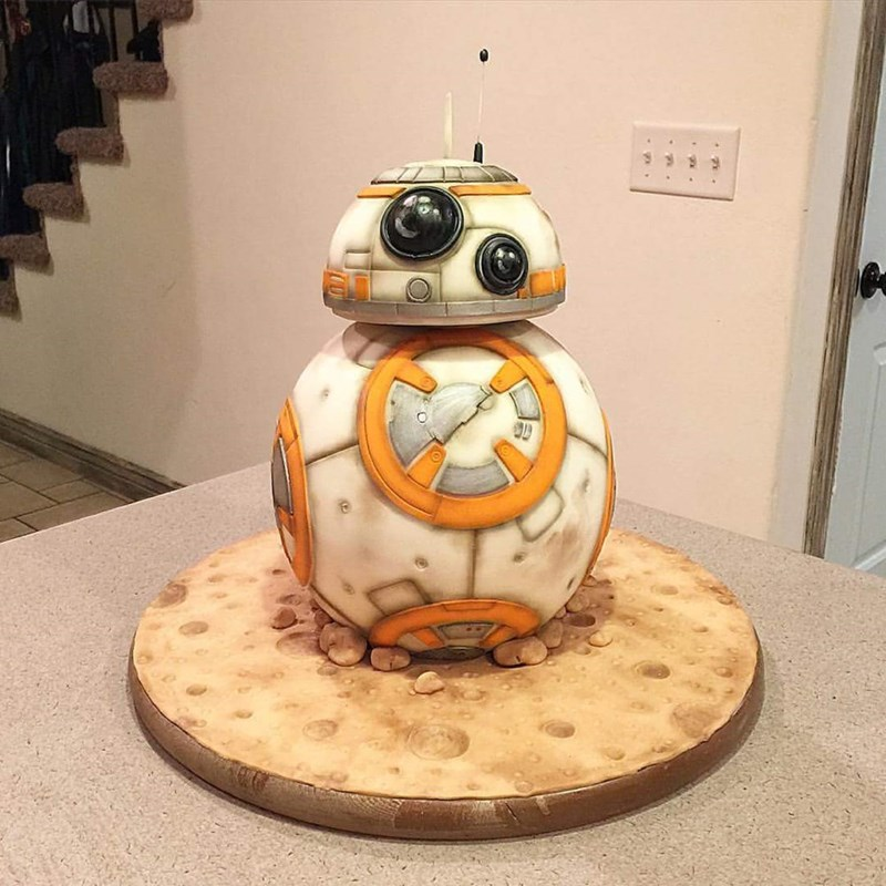 geeky cake bb8