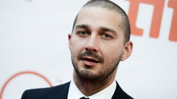 news-shia-labeouf-sweatpants-fail
