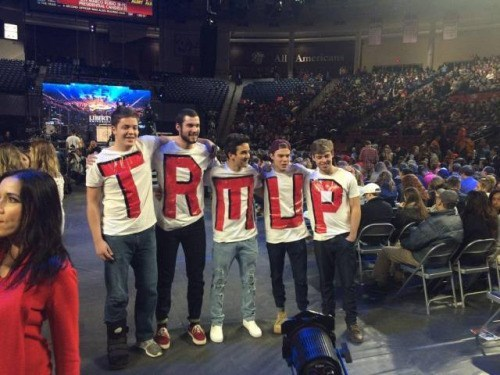 funny fail image donald trump supporter spelling fail