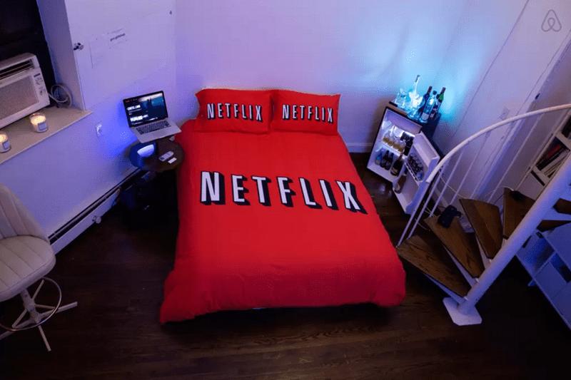 Furniture - am NETFLIX NETFLIX NETFLIX