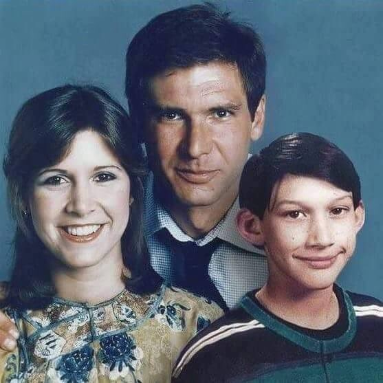star wars kylo ren Everyone is in Love With This Sweet Star Wars Family Photo