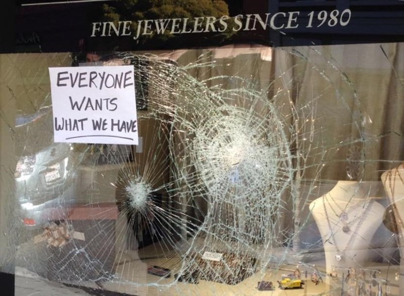 attempted robbery jewelry store sign