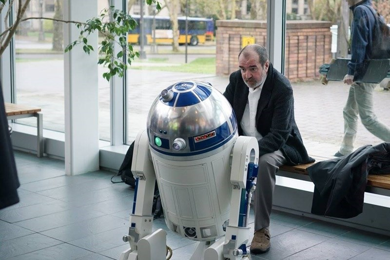 sad celebrity death Friends of R2-D2 Creator Tony Dyson Are Raising Money for His Funereal