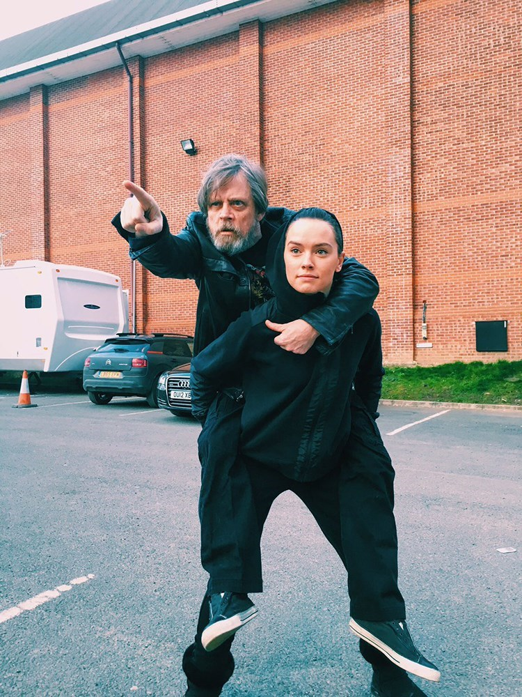 This Picture Shows Mark Hamill Following Yoda's Training Methods to the Letter With Daisy Ridley