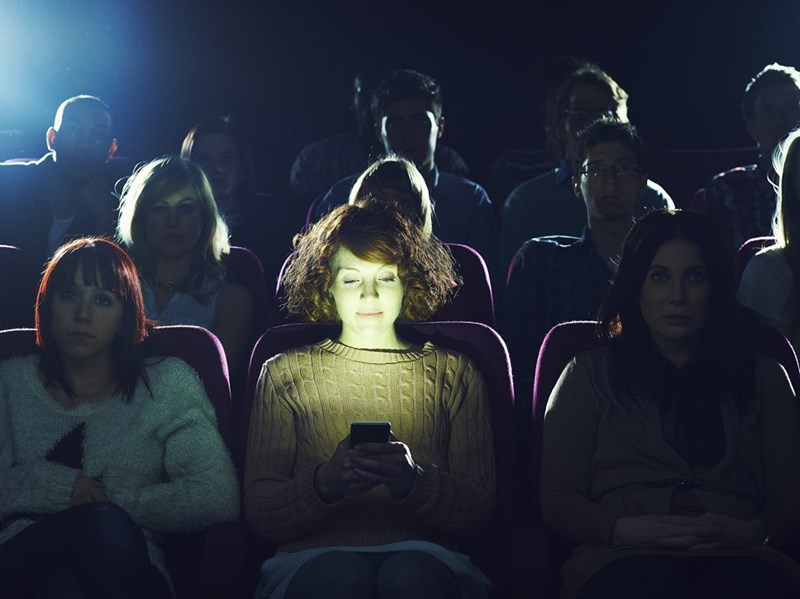 movies texting millenials AMC Theaters May Allow Texting During Movies