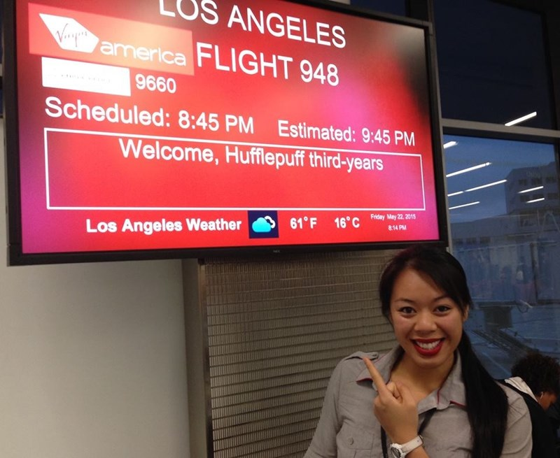 boarding sign - Display device - US ANGELES Voamerica FLIGHT 948 9660 Scheduled:8:45 PM Estimated: 9:45 PM Welcome, Hufflepuff third-years Fniday May 22, 2015 16°C 61 F 8 14 PM Los Angeles Weather