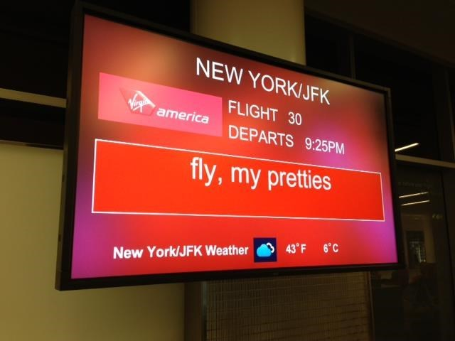 boarding sign - Display device - NEW YORK/JFK FLIGHT 30 america DEPARTS 9:25PM fly,my pretties 43'F 6'C New York/JFK Weather