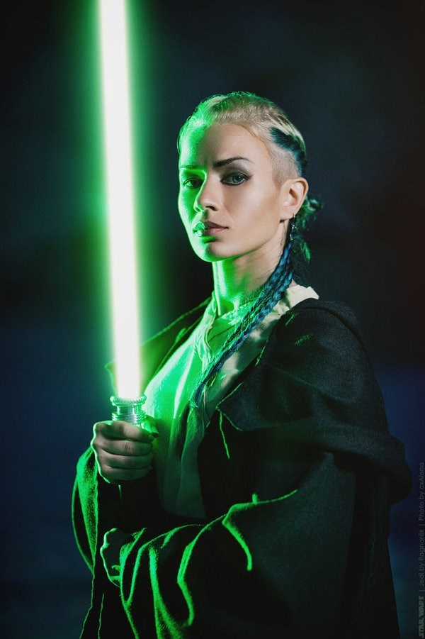 annie-ragnarek-star-wars-cosplay-dark-vs-light