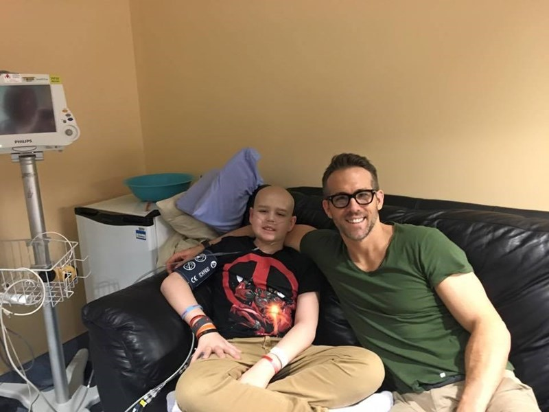 ryan-reynolds-heartfelt-tribute-friend-cancer-victim