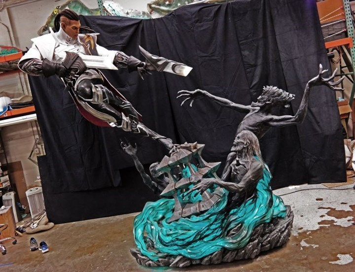 epic-league-of-legends-the-purifier-statue
