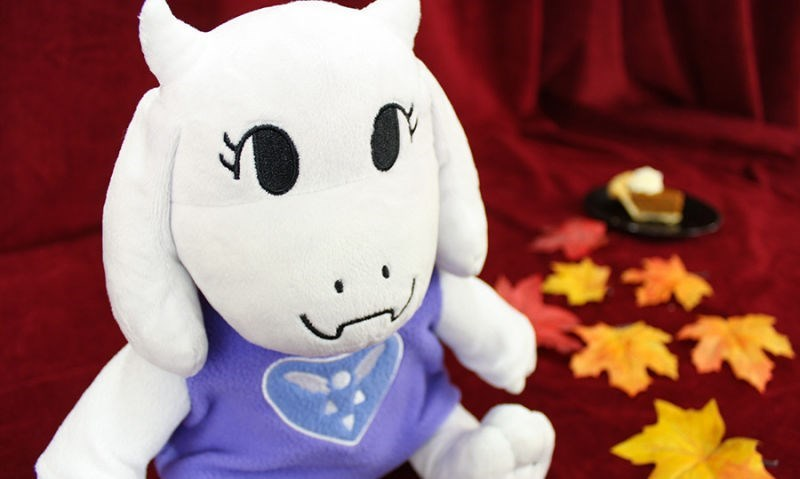 undertale-merchandise-toys-toriel-plush-crazy