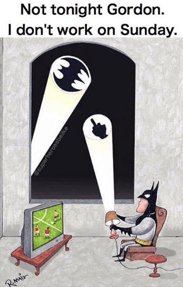 superheroes-gordon-batman-off-day-funny-reaction