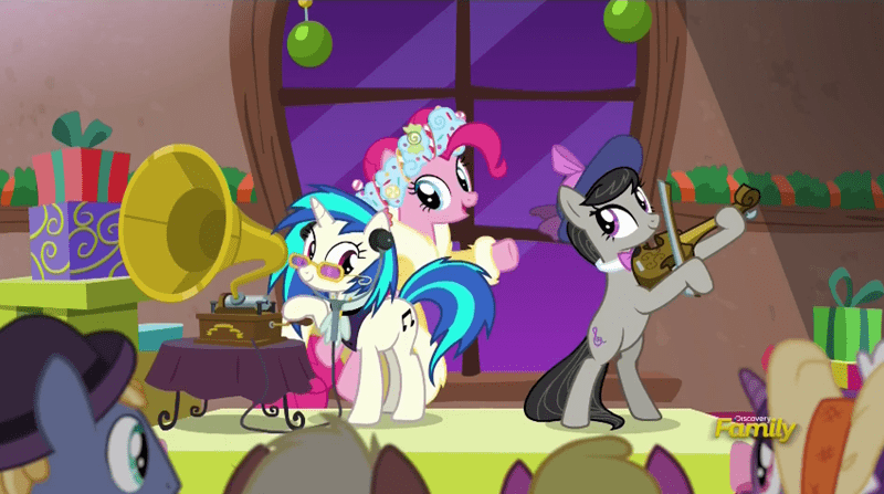 a hearth's warming tail ghost of christmas present pinkie pie vinyl scratch octavia - 8797186304