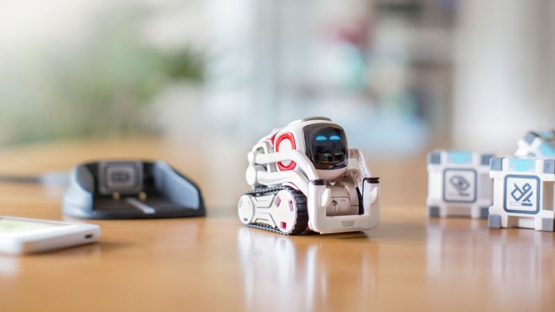 robot-mini-companion-awesome-toy