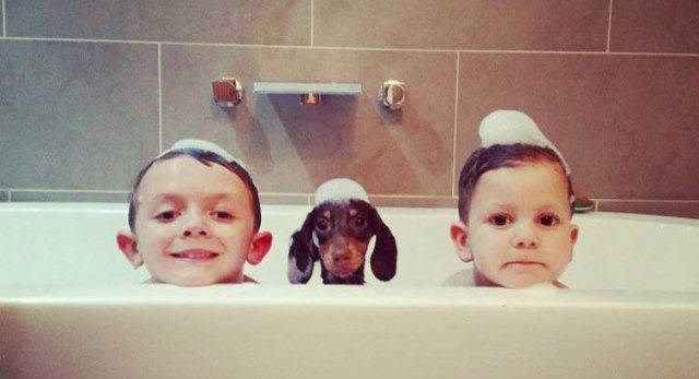 bathtub,parenting