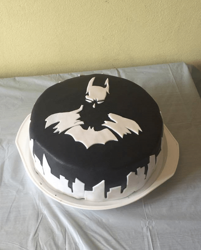 superheroes-batman-cake-tastes-like-justice