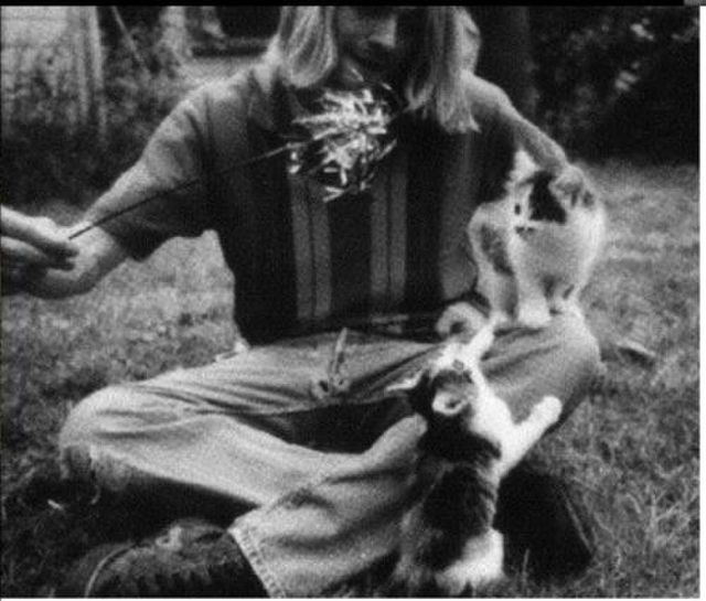 kurt cobain with cat