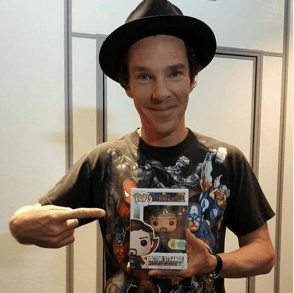marvel-benedict-cumberbatch-as-doctor-strange-holding-figurine