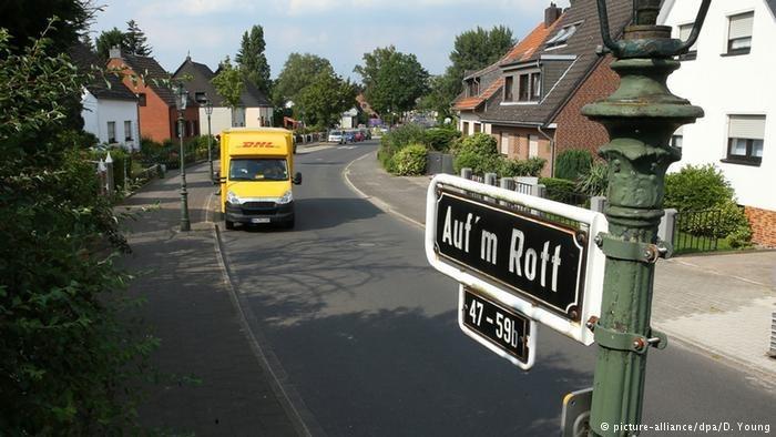 Düsseldorf residents ordered to pay up for 'Hitler asphalt'