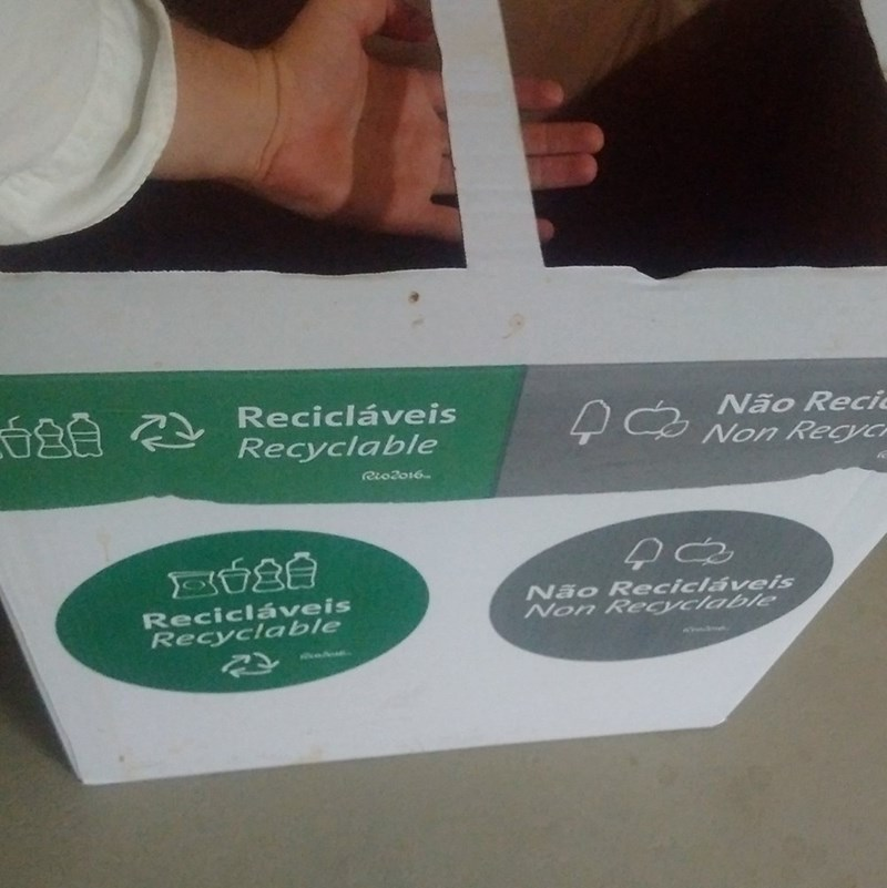 funny fail image rio olympics trash and recycle bins the same
