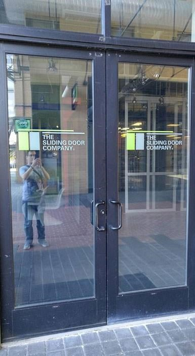 door,sign,FAIL