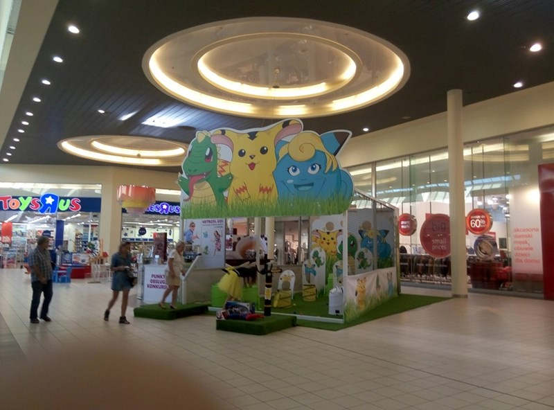 weird-pokemon-starters-knockoffs-outside-of-toys-r-us