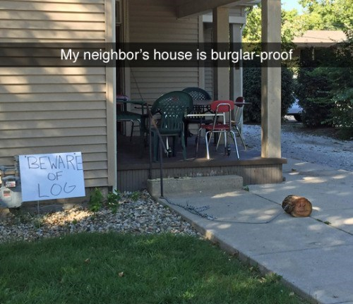 image pranks signs It's Got a Nasty Bark