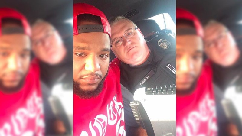 guys-sister-killed-in-car-accident-and-he-gets-help-from-one-awesome-cop