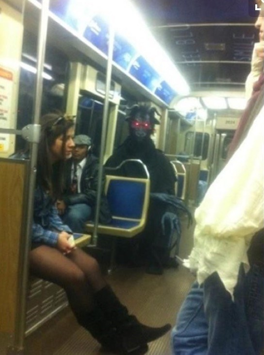 that-scary-moment-when-dark-souls-comes-to-real-life-on-subway