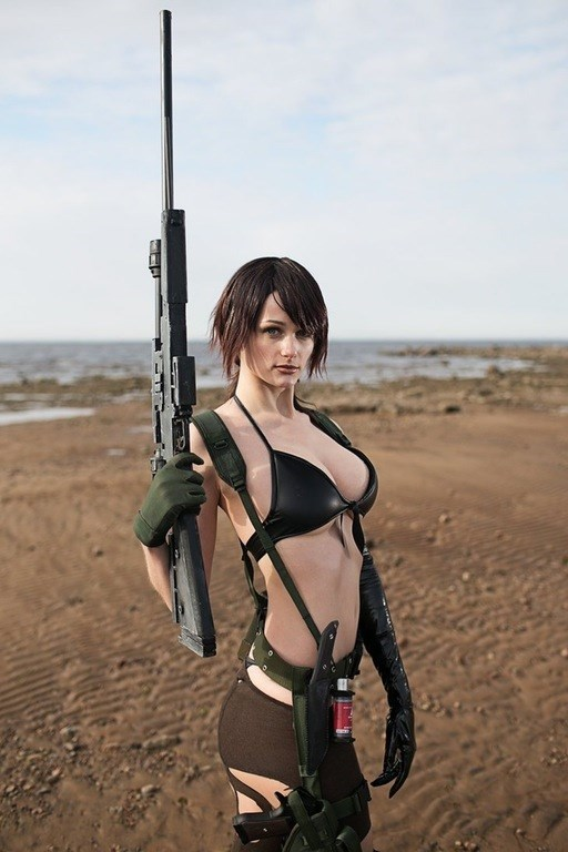 metal-gear-solid-v-quiet-cosplay