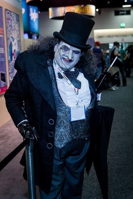 dc-comics-inspired-cosplay-for-the-penguin