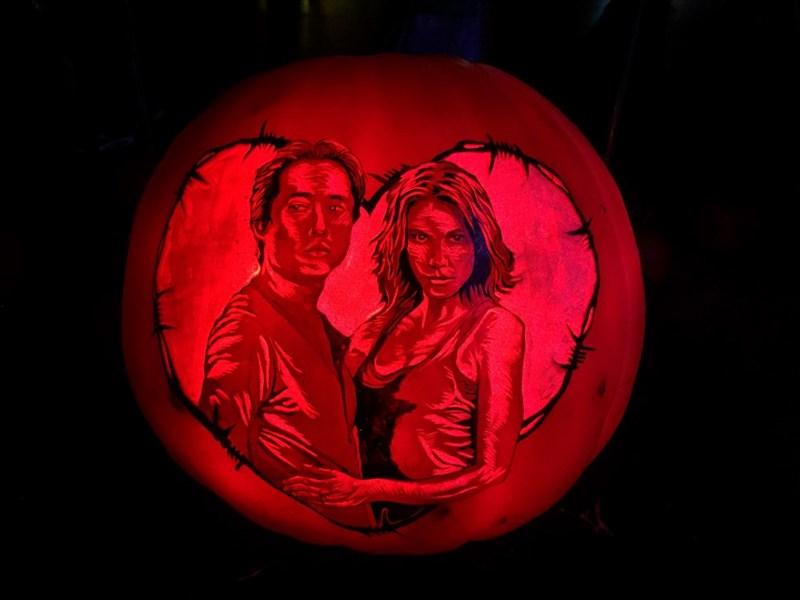 glenn-and-maggie-carving