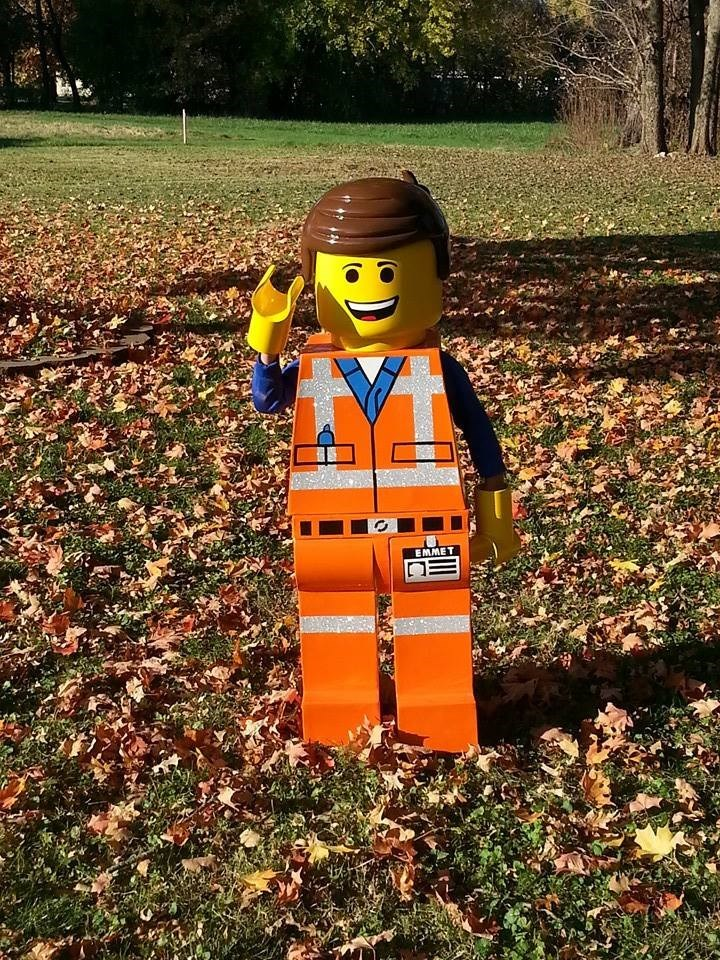 dad-made-son-epic-lego-halloween-costume