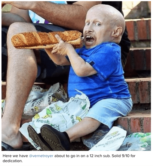 Product - Fresh P eat tres Here we have @vernetroyer about to go in on a 12 inch sub. Solid 9/10 for dedication. fres fres SUBY al