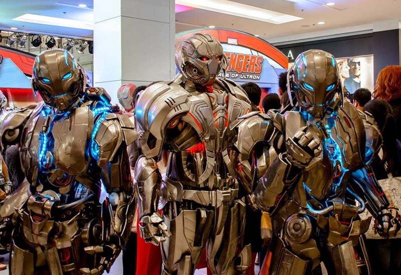 amazing-ultron-cosplay