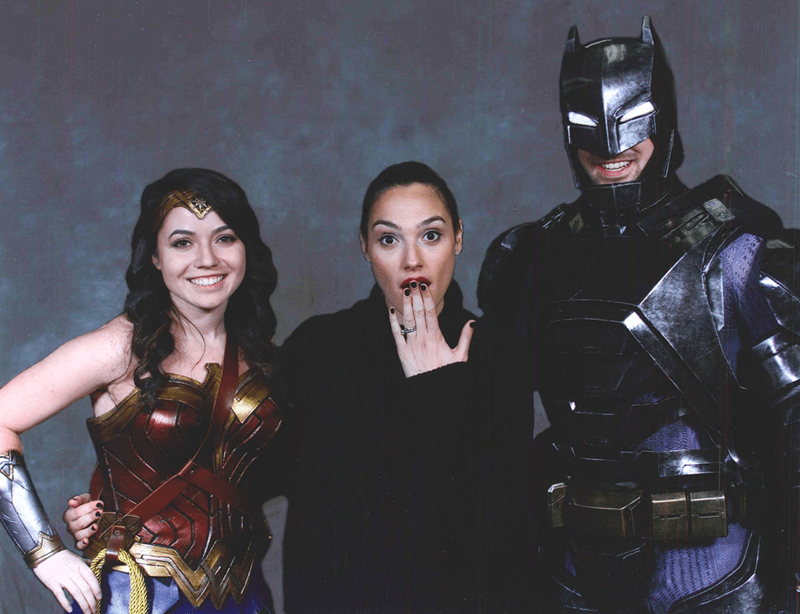 awesome-cosplayers-with-gal-gadot