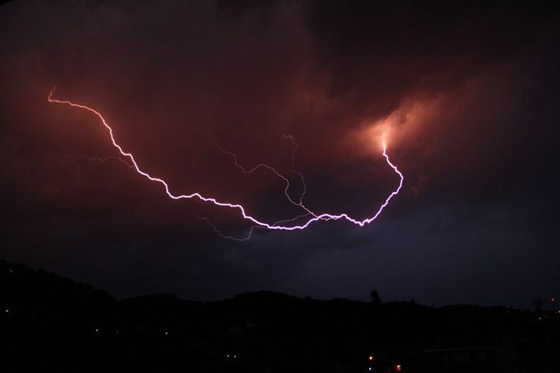 lightning - 8990264832