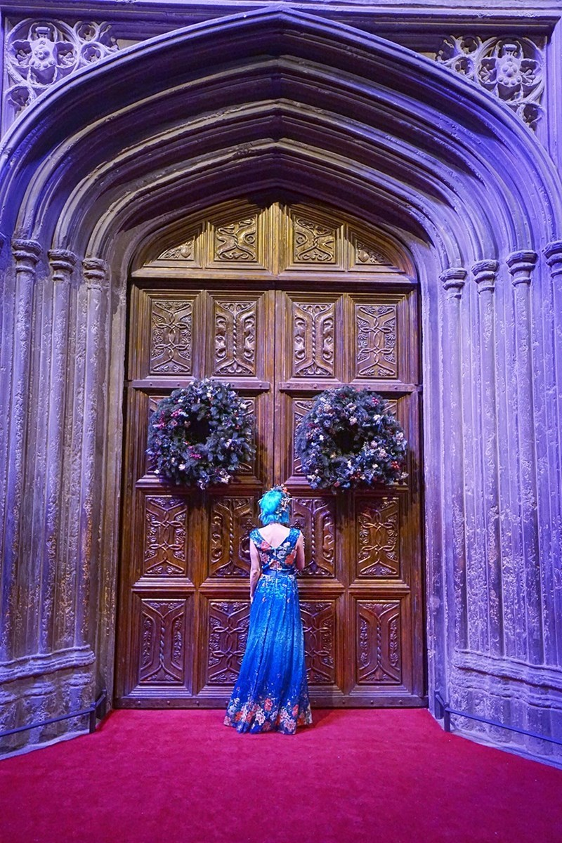 harry potter fan got to eat dream dinner at hogwarts on warner bros studio tour
