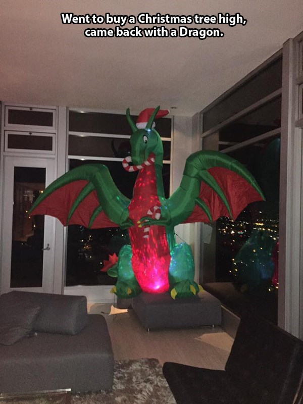 dragon christmas image - 8996999424