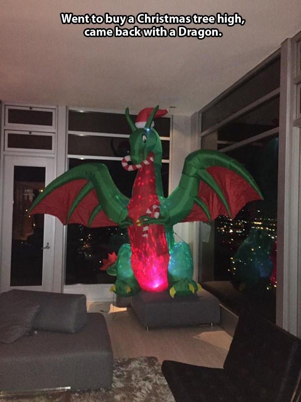 dragon christmas image - 8996999424
