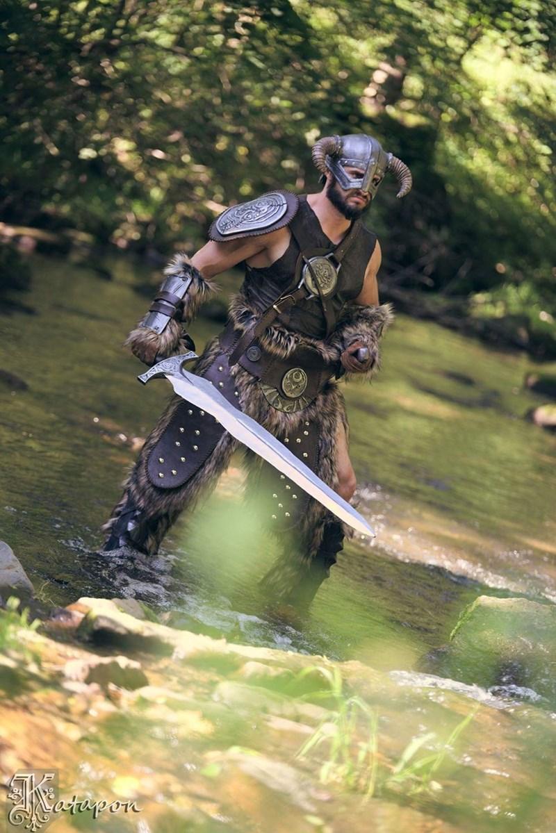 badass-skyrim-cosplay
