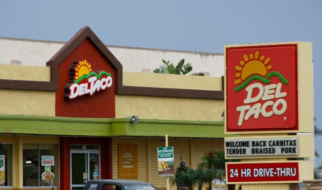 guy-tries-to-sue-del-taco-after-violent-case-of-food-poisoning