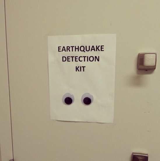 signs googly eyes earthquake - 8998919168