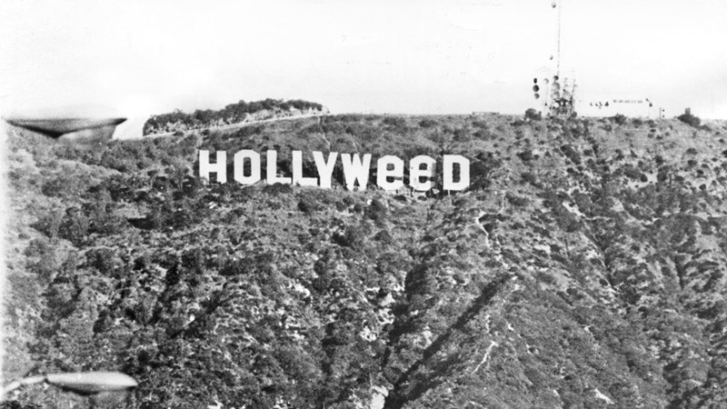 Font - HOLLYWEED
