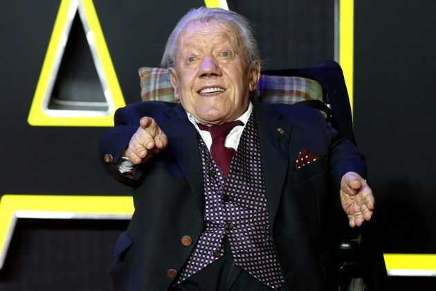 Sad,Kenny Baker,news,Edgar Wright,Simon Pegg,star wars,r2-d2,movies,rip,Mark Hamill