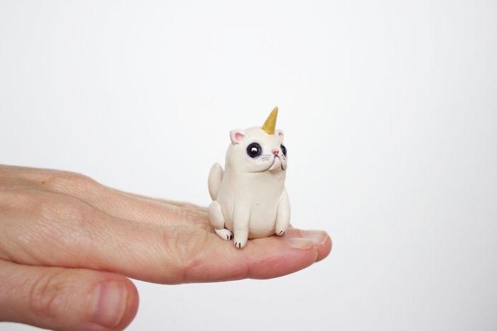 animal sculpture - White