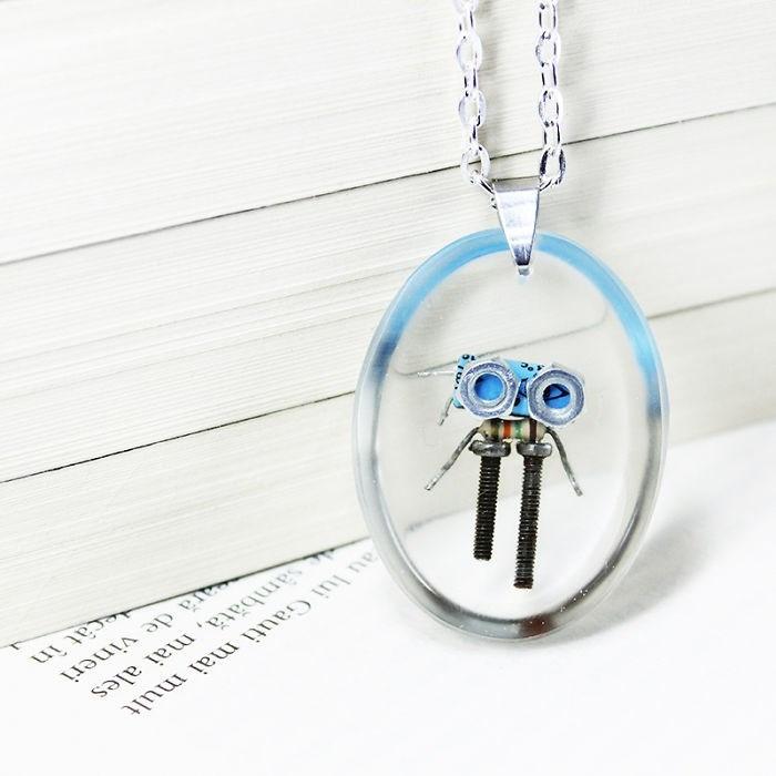 robot necklaces - Pendant - au lui Gauti mai mult sambata, mai ales a de vineri ecat in