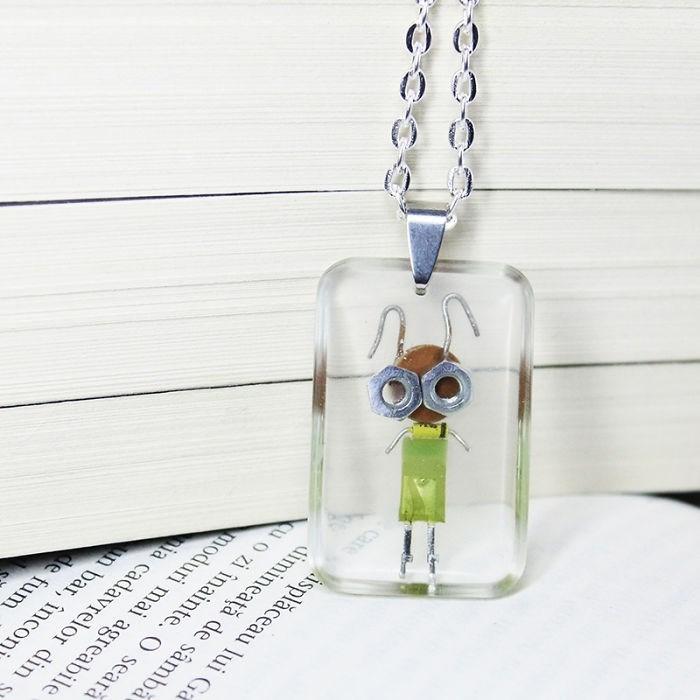 robot necklaces - Pendant - isplăceau lui Ga dimineată de samba uo zi inainte. O seara moduri mai agreabile ia cadavrelor din s n bar, incon de fum
