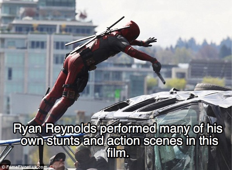 Stunt performer - Ryan Reynolds performed many ofhis FOwn stunts and action scenes in this film. FameElynet uk com